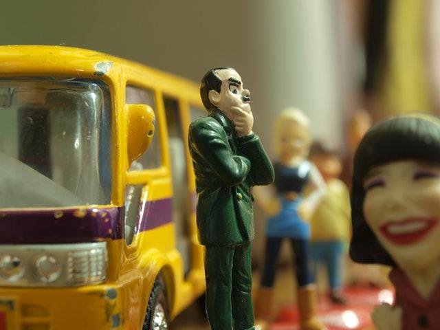 bus-stop-bus-waiting-john-cleese-53604